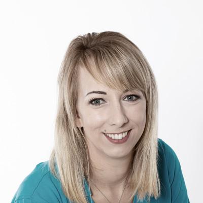 Daniela Higgersberger macht Kosmetik, Laser und Nageldesign bei Schilling Therapiezentrum in Stallhofen