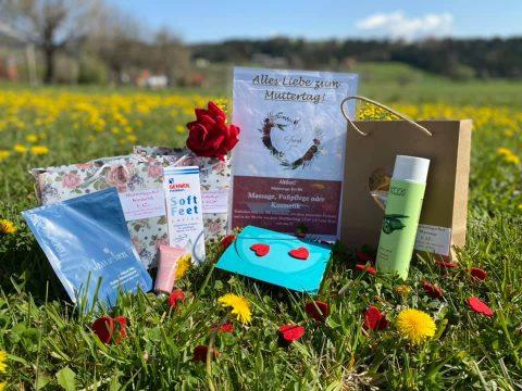 Schilling Therapiezentrum, Stallhofen, Muttertagsaktion: Gutschein + Produkt + Rose
