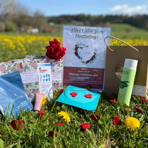 Schilling Therapiezentrum, Stallhofen, Muttertagsaktion: Gutschein + Produkt + Rose