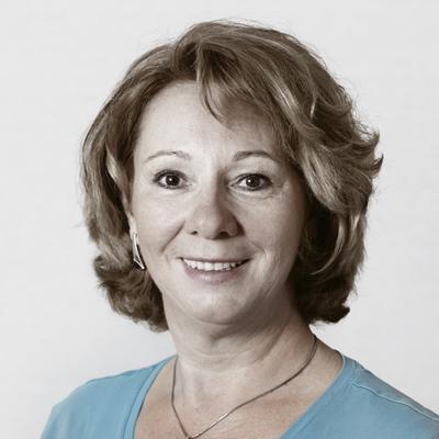 Gundi Schilling, Portraitfoto, Geschäftsführerin vom Schilling Therapiezentrum
